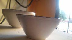 set de dos cuencos realizados en torno alfarero Serving Bowls, Tableware, Kitchen, Dinnerware, Cooking, Tablewares, Kitchens, Dishes, Cuisine