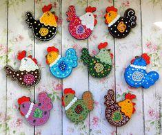 """Новый год 2017 ручной работы. Ярмарка Мастеров - ручная работа. Купить Магниты """"Курочки 2017"""". Handmade. Комбинированный, петух, магнит Chicken Crafts, Chicken Art, Clay Bear, Sewing Crafts, Sewing Projects, Easter Cookies, Bird Cookies, Sugar Cookie Royal Icing, Chicken Pattern"""