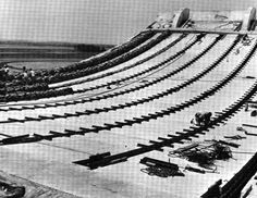 Dulles Airport Eero Saarinen 2 by phamvan_tan29, via Flickr