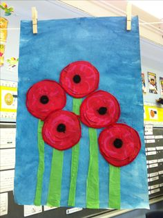 Poppies for Remembrance Day K Crafts, Diy Arts And Crafts, Holiday Crafts, Holiday Fun, Remembrance Day Activities, Remembrance Day Art, Class Art Projects, Kindergarten Art Projects, 3rd Grade Art