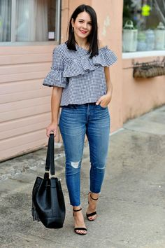 If you like to wear a simple outfit but stylish, asymmetrical tops outfit is the right choice. By wearing the right asymmetrical tops, whether long sleeves, horizontal, polka dots or even plain mot… Curvy Outfits, Simple Outfits, Plus Size Outfits, Casual Outfits, Formal Outfits, Rock Outfits, Emo Outfits, Womens Clothing Stores, Clothes For Women