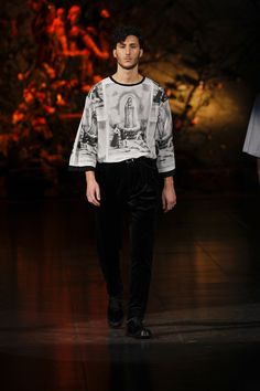 The Dolce Fall Winter 2014 Menswear Collection carries religious symbolism and relies on the meaning of absolute devotion! Devotion to details.