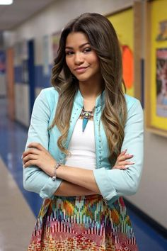 (Changing Lindsay's face claim to Zendaya and her name is Zendaya too!)