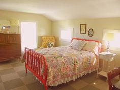 jenny lind bed + quilt
