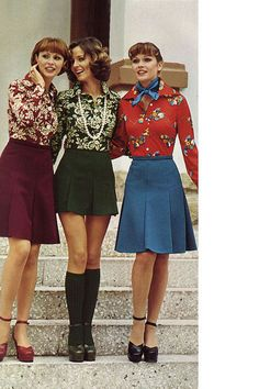 70s short skirts pleated mini blue green black burgundy red floral shirts platform shoes sandals day wear