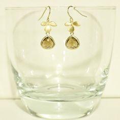 Items similar to Topaz Glass Framed Pendant Orchid Flower Earrings on Etsy Flower Earrings, Pearl Earrings, Topaz, Orchids, Gems, Pendants, Frame, Flowers, Jewelry