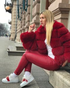 Image may contain: 1 person, shoes Fur Fashion, Womens Fashion, Fabulous Fox, Red Fur, Sexy Women, Winter Jackets, Street Style, Style Inspiration, Lady