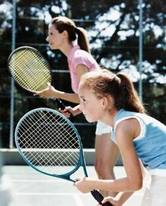 A tennis drop shot seems to be an effective weapon to win good points while it is also considered to be a wonderful stroke that is often utilized by tennis player at any point of time. Activity Games For Kids, Physical Activities For Kids, Outdoor Activities For Kids, Drop Shot, Match Point, Tennis Elbow, Tennis Clothes, Play Tennis, Tennis Players
