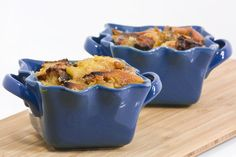 Peach Bread Pudding by Delairen, via Flickr, like peach cobbler, but uses stale bread for crust instead of biscuit dough