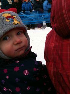 2011 i Alta , vi venter på at husky hundene fra finnmarksløpet skal løpe forbi . En stor opplevelse å få være med på .