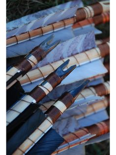 Arrows with horn nock and wrought iron arrowhead (20 pieces), Hunarchery The Recurve Bow Store