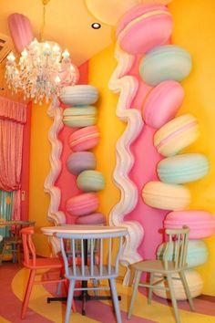 Azaleia: curiosities, how to care and 60 decoration photos - Home Fashion Trend Café Design, Store Design, Design Shop, Bakery Decor, Bakery Design, Deco Restaurant, Restaurant Design, Kawaii Room, Candy Party