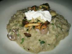Winter is coming Mushroom Risotto Dried Mushrooms, Porcini Mushrooms, Stuffed Mushrooms, Stuffed Peppers, Risotto Rice, Mushroom Risotto, King Mushroom, Vegetarian Main Dishes, Risotto Recipes