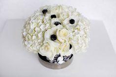 Hydrangea, rose & anemone centerpiece (using gerbera daisies instead of anemones) Black And White Centerpieces, Short Centerpieces, Floral Centerpieces, Centerpiece Wedding, Centerpiece Ideas, Anemone Wedding, White Wedding Flowers, Floral Wedding, Damask Wedding