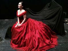 Sonya Yoncheva como Desdémona. Metropolitan Opera, OTELLO, 2015-16, producción B. Sher, vestuario Es Devlin.