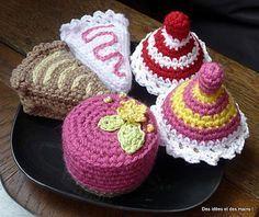 Crocheted Petit Four Pastry - free crochet pattern