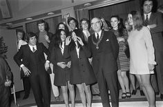Eurovision Song Contest 1970: Gianni Morandi (Italy), Henri Dès (Switzerland), Hearts of Soul (The Netherlands), Jean Vallée (Belgium), Guy Bonnet (France), Mary Hopkin (United Kingdom), Dana (Ireland), Dominique Dussault (Monaco), Eva Srsen (Yugoslavia), David Alexandre Winter (Luxembourg) with the mayor of Amsterdam