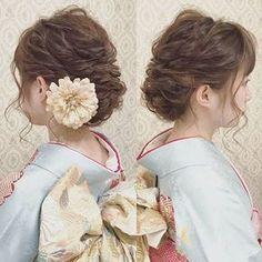 振袖ヘア 結婚式のお呼ばれヘア&着付けでご来店頂きました 波ウェーブをかけて 下めでアップ おくれ毛は細めに 数本出しました お客様ご持参の花の髪飾りを付けました #ヘア #ヘアメイク #ヘアアレンジ #結婚式 #結婚式ヘア #スタジオ撮影 #美容学生 #ウェディング #バニラエミュ #セットサロン #ヘアセット #アップスタイル #成人式ヘア #プレ花嫁 #フォトウェディング #前撮り #着物ヘア#ロケーション撮影#卒業式ヘア #花#白無垢#2017夏婚 #2017春婚 #結婚準備#卒業式#日本中のプレ花嫁さんと繋がりたい #2017秋婚 #2017冬婚 #花嫁ヘア#和装ヘア