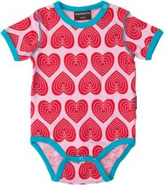 This lovely short sleeve heart pattern top is a great design and fits lovely under the Red and Blue Velour dress or Playsuit by Maxomorra.  This is another great design by the Scandinavian company which enables you to have bright and colourful clothing for your children.   Brand: Maxomorra  95% organic and 5% elastine