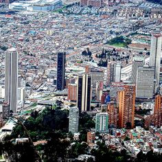 Vía @otachi13 This is the place I live in #city #ciudad #citta #bogota #colombia #Colombiarte #colombianiando #enmicolombia #Colombia_Estrella #colombia_folklore #ig_colombia #igersbogota #igerscolombia #loves_bogota #loves_colombia