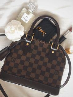 Luxury Purses, Luxury Bags, Luxury Handbags, Fashion Handbags, Fashion Bags, Gucci Fashion, Runway Fashion, Luxury Fashion, Fashion Trends