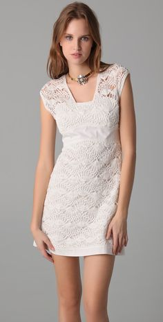 Philosophy Di Alberta Ferretti: Hairpin Crochet Dress.   Fitted at the bust and waist.