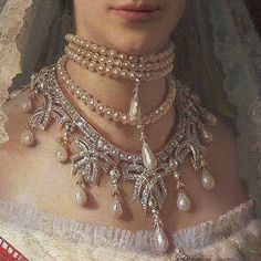 Detail from a portrait of Empress Maria Fedorovna of Russia Renaissance Paintings, Renaissance Art, Renaissance Jewelry, Angel Aesthetic, Aesthetic Art, 7 Arts, Maria Feodorovna, Princess Aesthetic, Aesthetic Painting