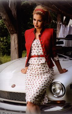 Austrian Tracht Mothwurf pencil skirt vest jacket red white flower pattern belt
