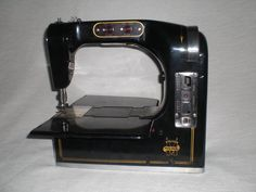 Antike Nähmaschine Mewa Fischer portable von nostalgiehauscom