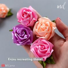 Diy Ribbon Flowers, Kanzashi Flowers, Rolled Fabric Flowers, Ribbon Flower Tutorial, Fabric Roses Diy, Satin Ribbon Roses, Organza Flowers, Embroidery Flowers Pattern, Ribbon Embroidery