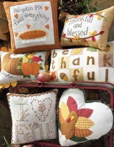 Home site for all Bareroots patterns! Featuring sweet embroidery and appliqué designs on quilts, pillows, totes, candle mats and more. Felt Crafts, Fabric Crafts, Sewing Crafts, Sewing Projects, Autumn Decorating, Fall Decor, Holiday Decor, Fall Pillows, Little Falls