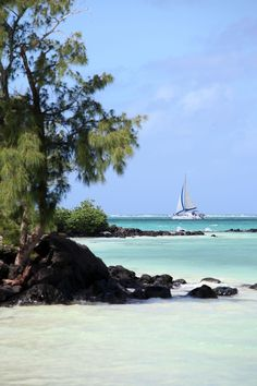 Sailing in Mauritius BelAfrique - Your Personal Travel Planner www.belafrique.co.za