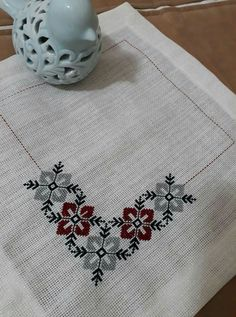 This Pin was discovered by Öze Cross Stitch Borders, Cross Stitch Flowers, Cross Stitch Designs, Cross Stitching, Cross Stitch Patterns, Folk Embroidery, Cross Stitch Embroidery, Embroidery Patterns, Palestinian Embroidery