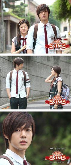 Kim Hyun Joong como Baek Seung Jo y Jung So Min como Oh Ha Ni. Itazura Na Kiss, Playful Kiss, Kdrama, Korean Celebrities, Korean Actors, Live Action, Two Worlds, Baek Seung Jo, Korean Drama Movies