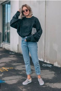 Casual winter outfits, casual outfits и winter fashion looks. Outfits 2016, Mode Outfits, Jean Outfits, School Outfits, Winter Fashion Looks, Look Fashion, Woman Fashion, Retro Fashion, High Fashion