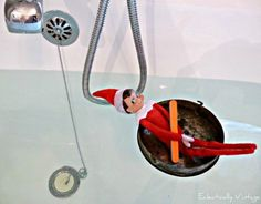 18 Hysterical Elf on the Shelf ideas! kellyelko.com