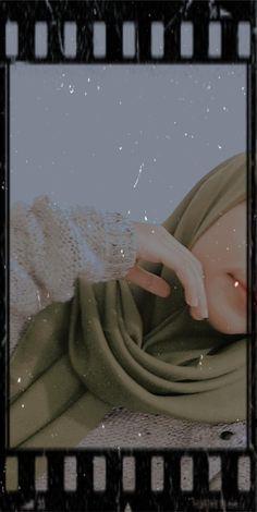 Dark Wallpaper Iphone, Cute Wallpaper Backgrounds, Cute Wallpapers, Girl Photo Poses, Girl Photography Poses, Foto Mirror, Hijab Cartoon, Friendship Photography, Shadow Photos