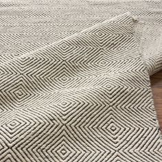 Paddle Chevron Diamond Rug | Vielle and Frances