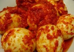 Telur Belado recipe for those days when all you've left in the fridge are eggs. Hard-boil those eggs, 'chili' them up with s. Egg Recipes, Asian Recipes, Cooking Recipes, Ethnic Recipes, Malay Food, Singapore Food, Indonesian Food, Food Reviews, Boiled Eggs