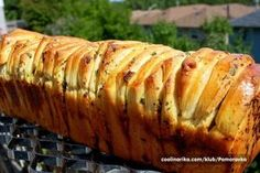 Pull Apart hleb sa začinima (Cooking with Zokie) Cas, Bread Recipes, Cooking Recipes, Yummy Appetizers, Creative Food, Food And Drink, Low Carb, Croissant, Vegetarian
