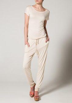 #jumpsuit #white #fashion