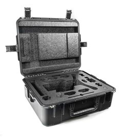 Tired of carrying around your 3DR Solo in the original box? This carry case stores your 3DR Solo and GoPro with 4 batteries and accessories. The hard shell case safeguards your gear while remaining li