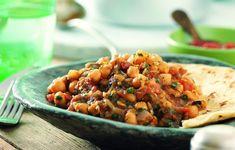 Τα ρεβίθια είναι πολύ διαδεδομένα στην Ινδία και υπάρχουν δεκάδες τρόποι να μαγειρευτούν. Εδώ συνδυάζονται με πολλά μπαχαρικά και ζάχαρη.