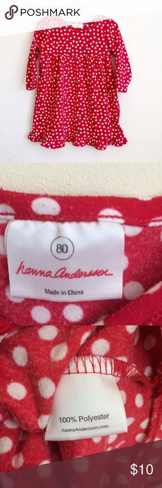 Hanna Andersson Red & White Polka Dot Nightgown 80 This red and white polka dot nightgown has long sleeves and a ruffle around the bottom hem. It's made of polyester so there's pilling typical of this fabric. There aren't any rips, tears, or stains. Hanna Andersson Pajamas Nightgowns
