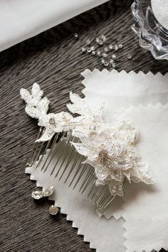 Darling Details | Small lace bridal hair combs in ivory