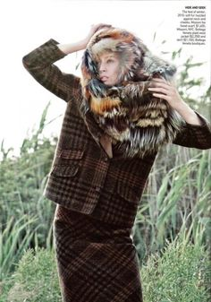 Raquel Zimmermann by David Sims for Vogue US October 2009 wearing Missoni Raquel Zimmermann, David Sims, Vogue Us, Barbarian, Editorial Fashion, Game Of Thrones Characters, How To Wear, Fashion Editorials, Missoni
