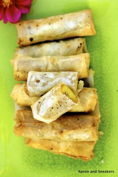 Apron and Sneakers - Cooking & Traveling in Italy: Banana Spring Rolls (Turon)-Good grief, how good would these be with some chocolate sauce or vegan ice cream?