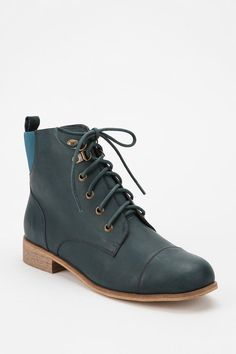 On my #UONICELIST #UrbanOutfitters - BDG Chelsea Lace-Up Boot