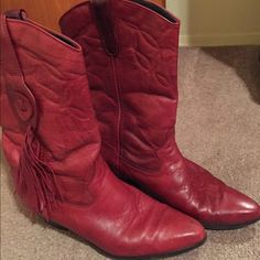 Red leather Laredo cowboy boots Worn a couple of times. Excellent condition. Red leather cowboy boots. Size 7 Laredo Shoes