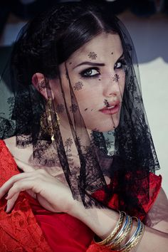 Lady of Spain - September 2012 Spanish Woman, Spanish Style, Raul Mendoza, Vampire Fashion, Vintage Outfits, Baroque Fashion, Fashion Vintage, Flamenco Dancers, Spanish Fashion